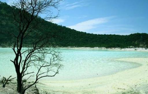 danau-kawah-putih-bandung-indonesia1